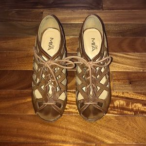 MIA Brown Wedges! Good condition!